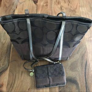 Coach mini tote purse with wristlet